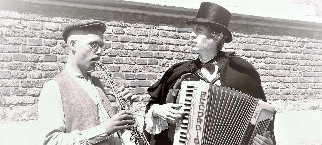 Dickens-Duet