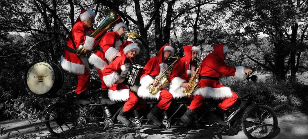 Kerstmannen-Fiets-Orkest