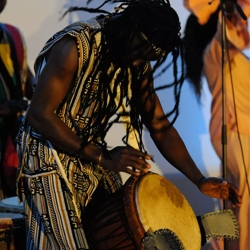 afrikaanse percussiegroep sene percu boeken